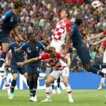 final piala dunia gol bunuh diri